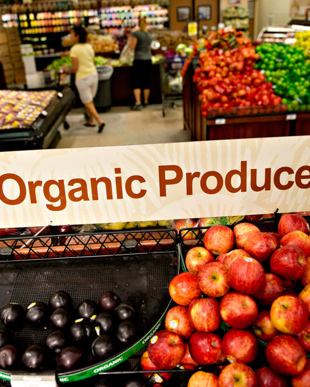 United Natural Foods (UNFI) Stock Soars on Outlook, Analysts Cautious on Core Sales