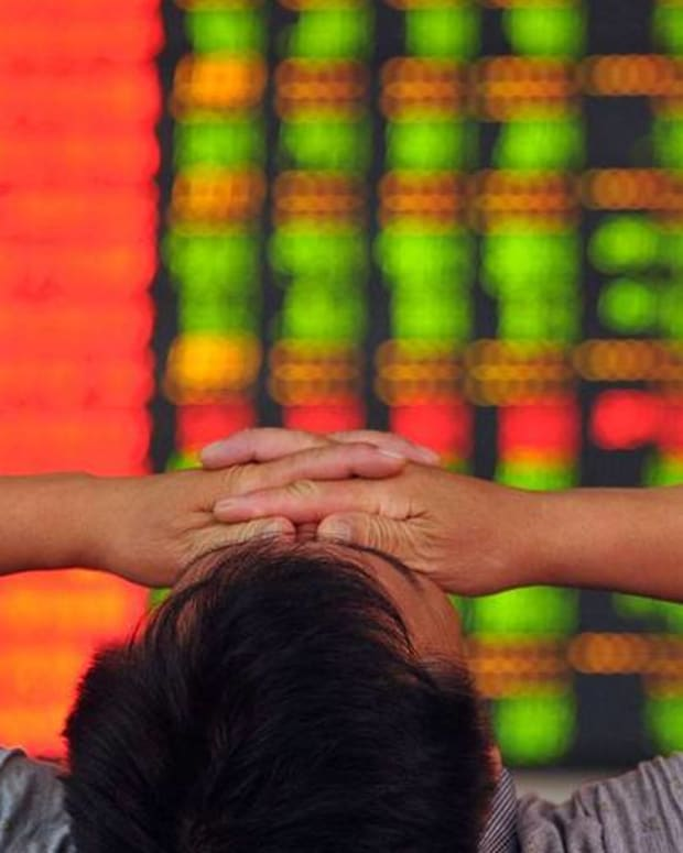 Chinese Regulators Limit Short Selling as it Tries to Prop up Stocks