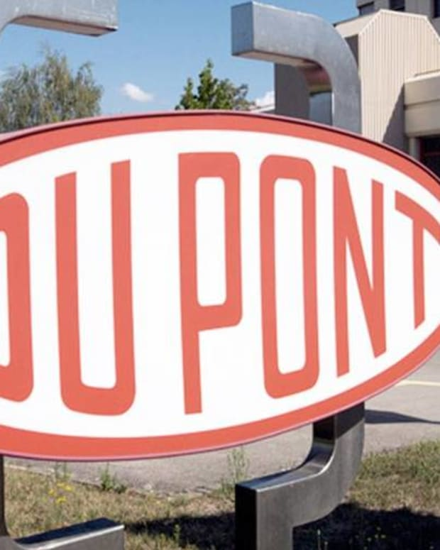 Jim Cramer on DuPont CEO's Retirement Announcement