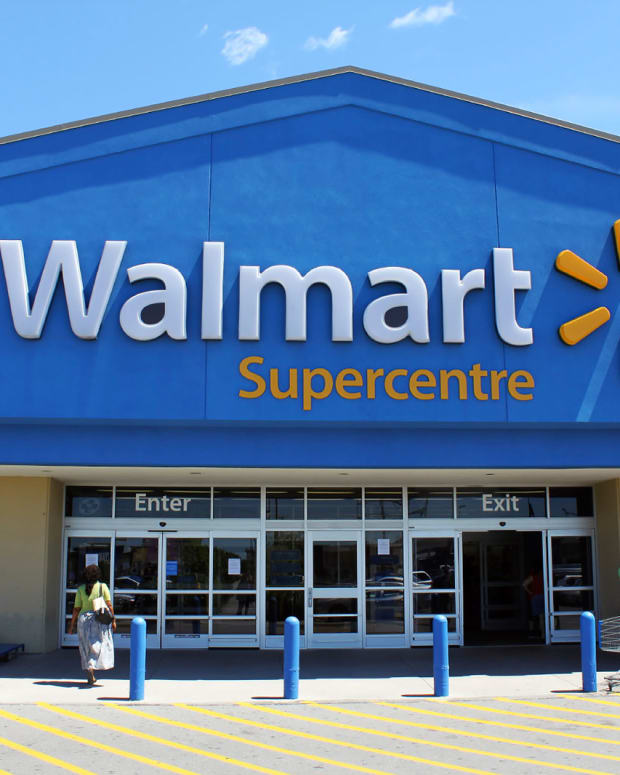 Walmart (WMT) Stock Increases, Barclays Bullish
