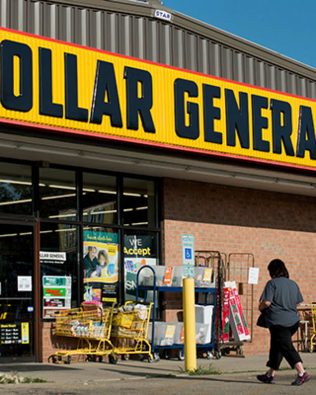 Jim Cramer: Dollar General's Sales Accelerate, Valeant Is Undervalued