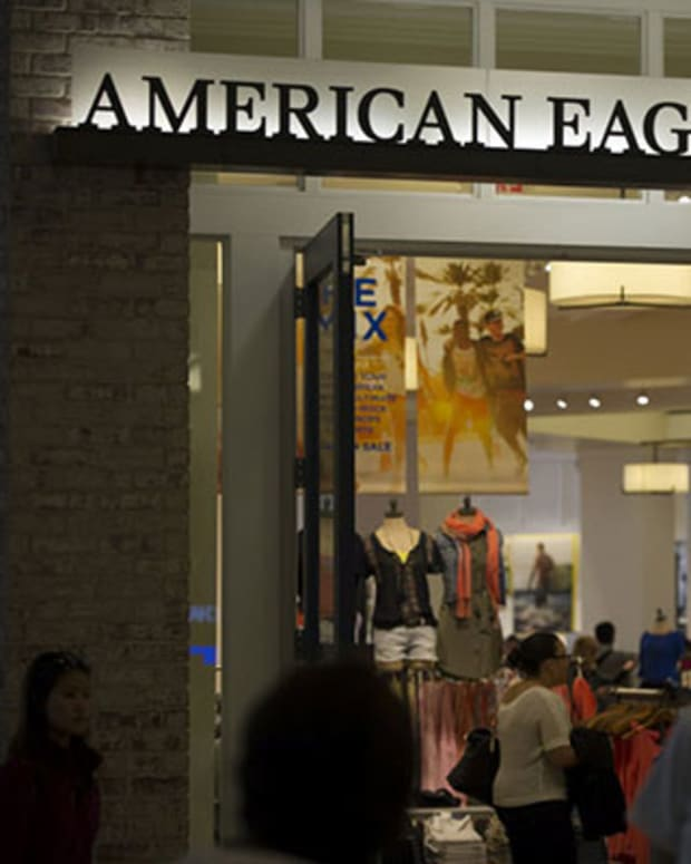 How Urban Outfitters and American Eagle Keep Teens Hooked