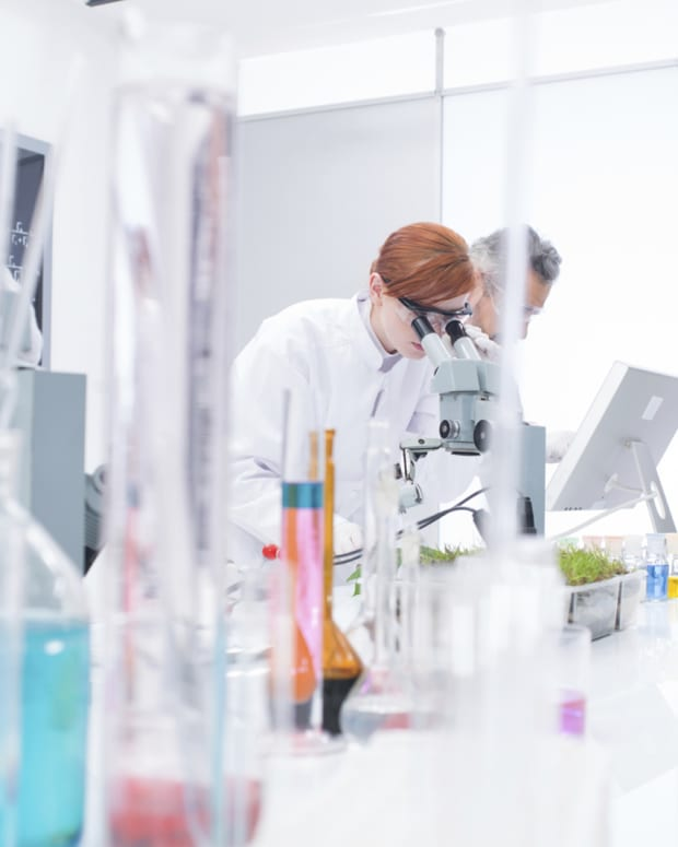 Biotech Premarket Movers: Cempra, Tesaro, Editas