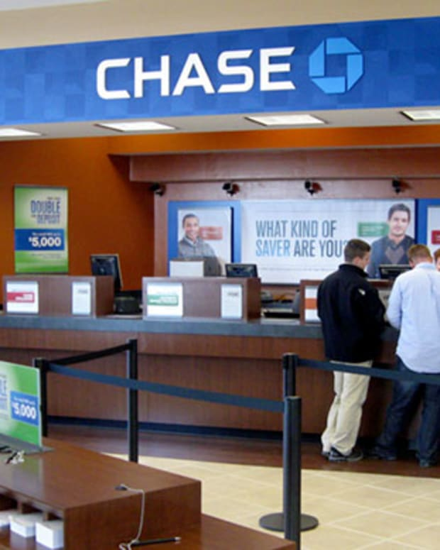 JPMorgan Chase's (JPM) Sommers Describes Role Bank Branches Continue to Play on CNBC