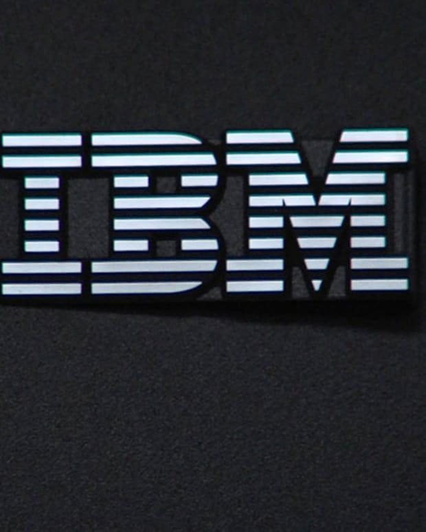 IBM Leads Dow Higher Ahead of Earnings; Oil Rallies on China