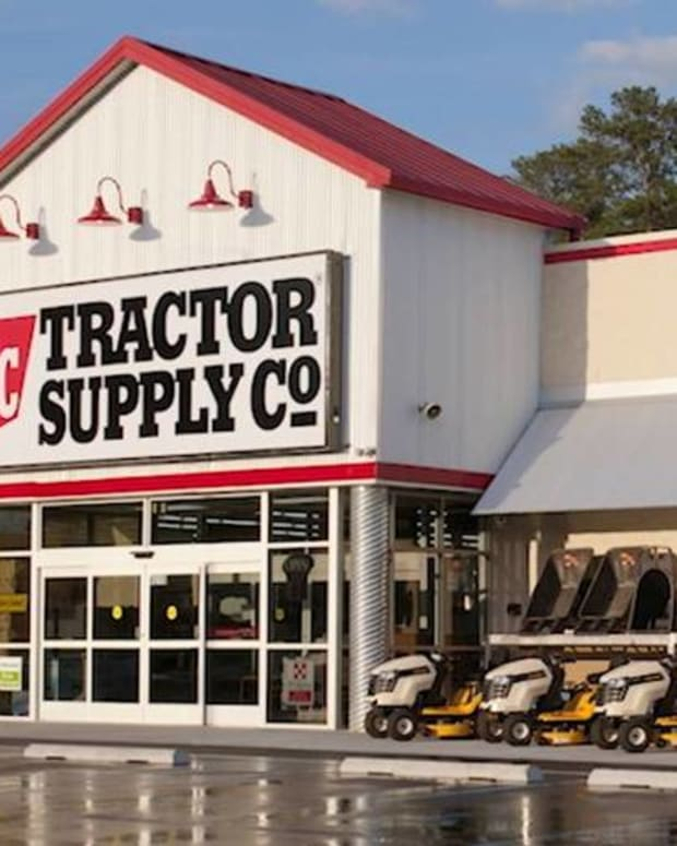 Why Tractor Supply Co. Is Bucking the Retail Sector's Fall Slowdown