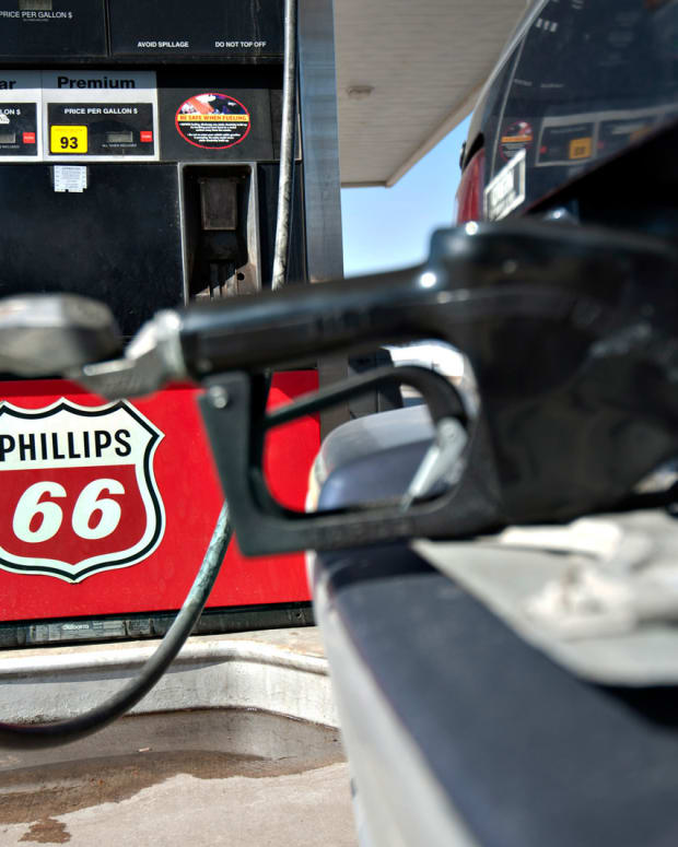 Why Warren Buffett Loves Phillips 66