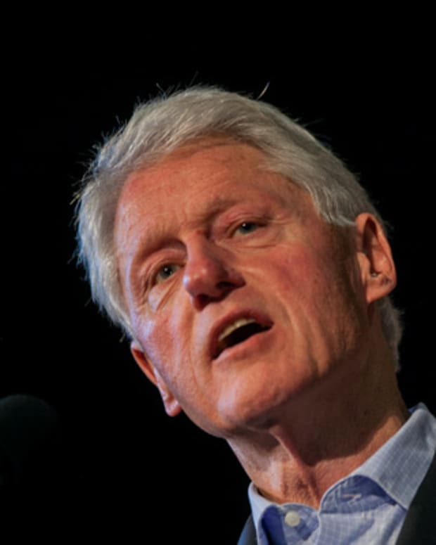 Bill Clinton's Solution for 'Too Big to Jail' Banks