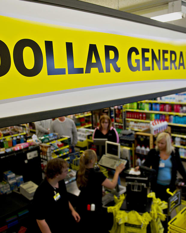 Can Dollar General Retaliate Against Wal-Mart Stores?