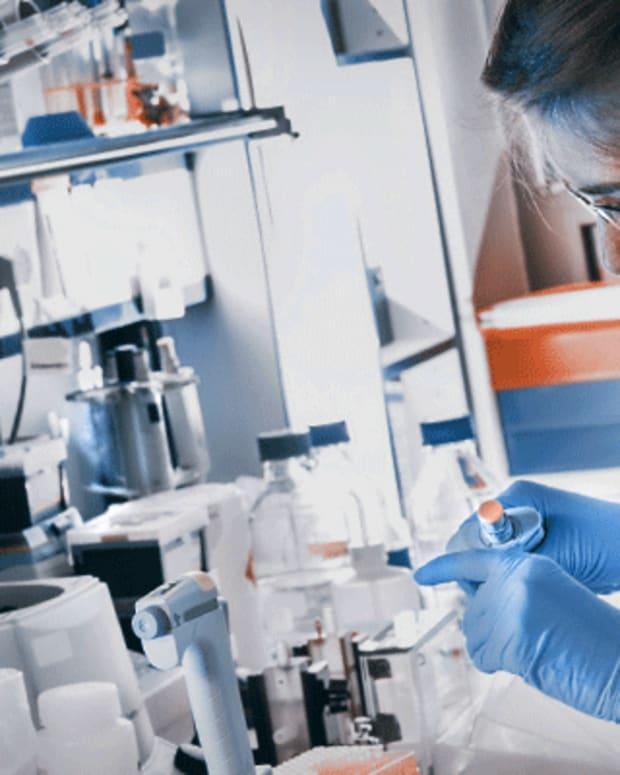 Biotech Movers: Lion Biotechnologies, XBiotech, Halozyme
