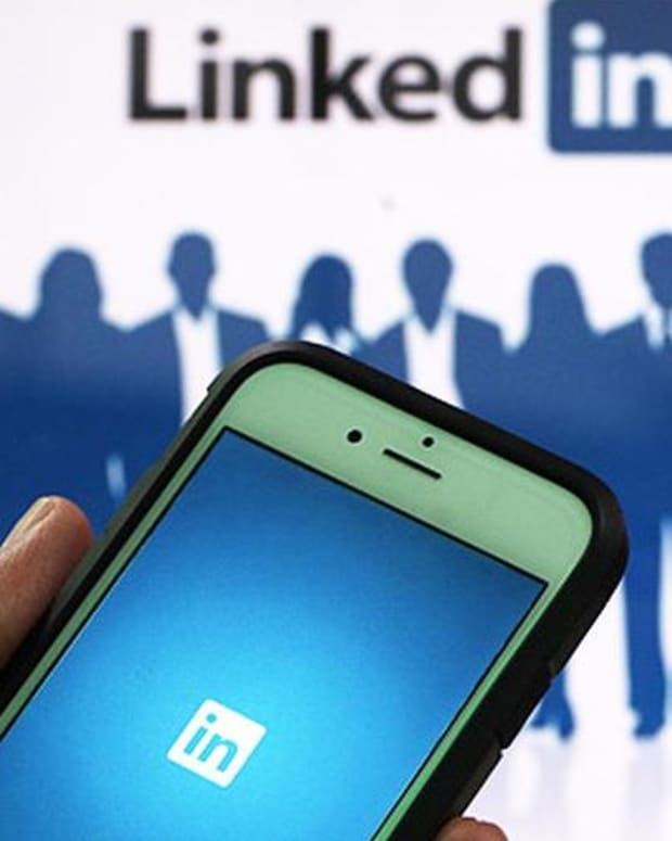 Jim Cramer: For LinkedIn, Mobile Is Where It's At