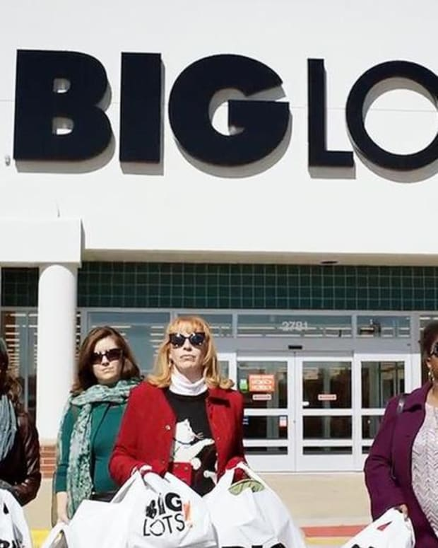 Here's Why Shares of Big Lots Are Lower Friday