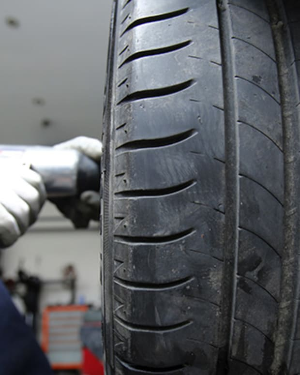 Cooper Tire & Rubber Hits 52-Week High on Upgrade