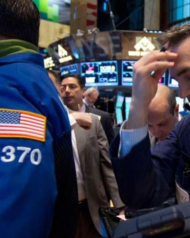 Midday Report: Apple Supplier Jabil Circuit Disappoints; Stocks Down