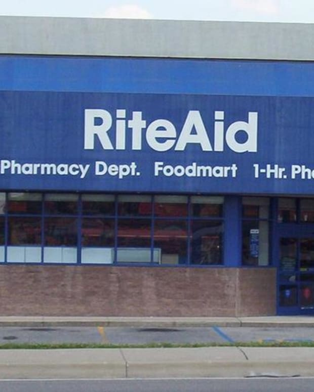 Closing Bell: Rite Aid Spikes on FTC Negotiations; U.S. Stocks Fall