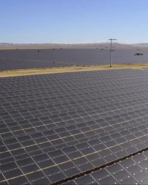 Jim Cramer Says Watch Stock of First Solar After Analyst Meeting