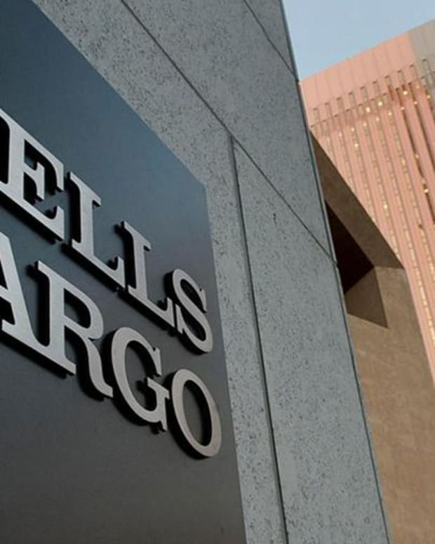 Here's Why Jim Cramer Owns Wells Fargo, Despite the Controversy