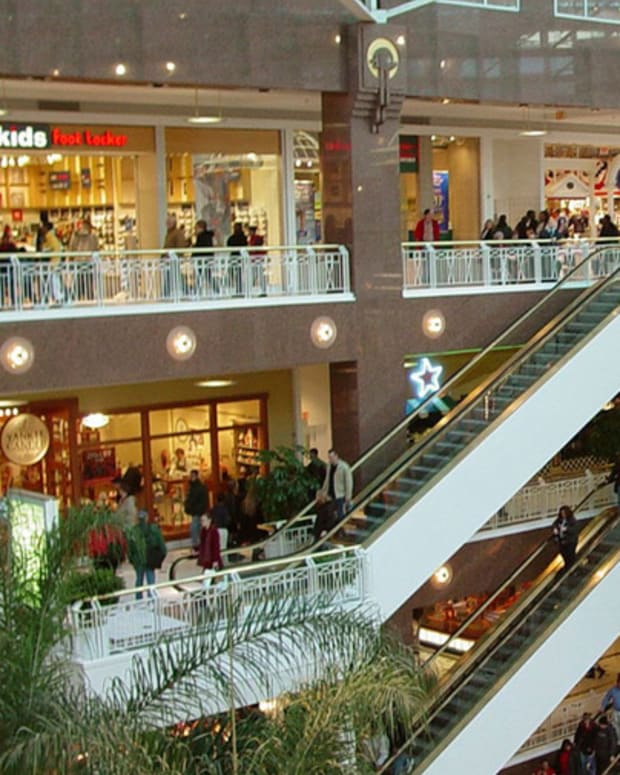 Mall Traffic Remains Robust Even as Anchor Tenants Change