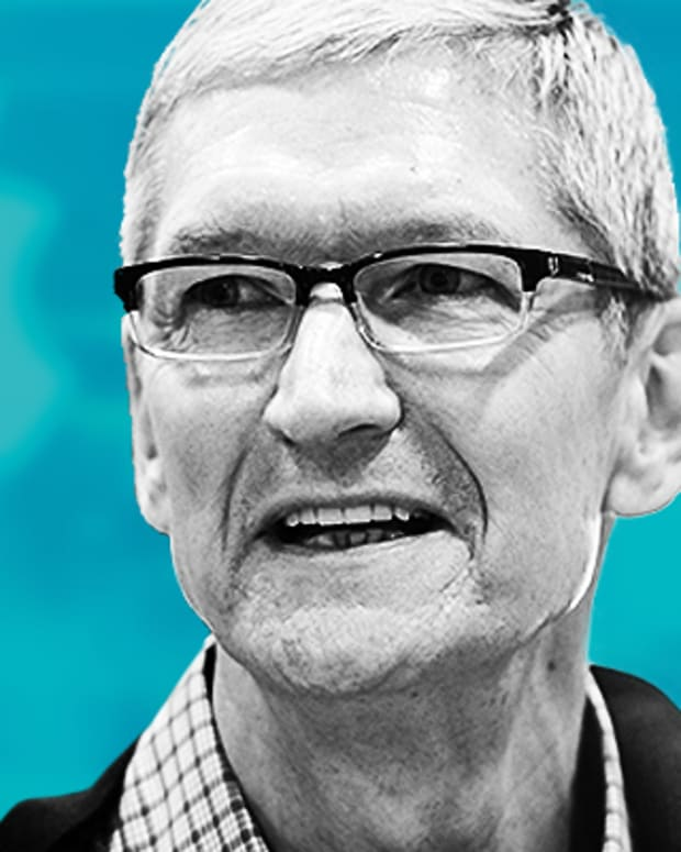 Apple CEO Tim Cook Tweets Against Trump's Military Transgender Ban
