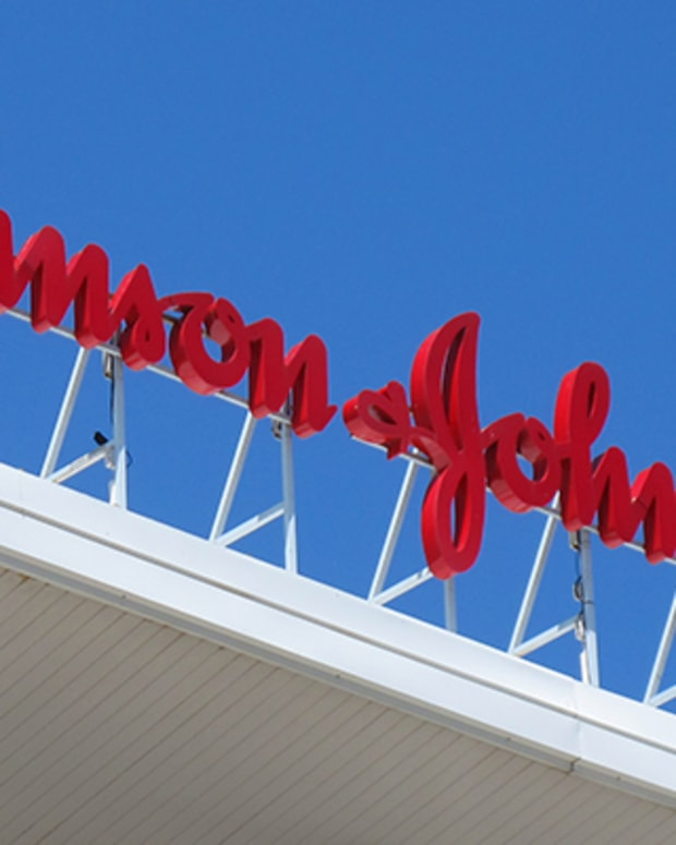 Johnson & Johnson Sees Little Impact In Key Area Despite Pfizer Competition