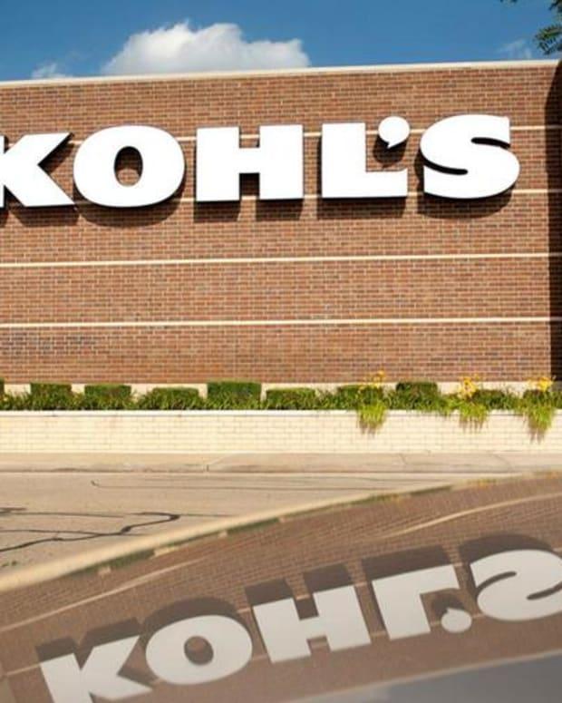 Jim Cramer: Buy Kohl's Off of Macy's Weakness