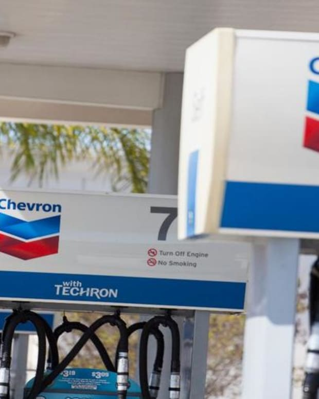 Chevron Shares Stung by Fourth-Quarter Revenue Miss