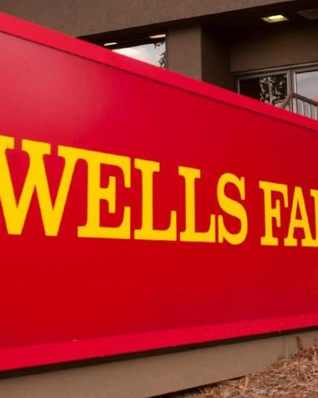 Jim Cramer on the Continuation of the Wells Fargo Scandal