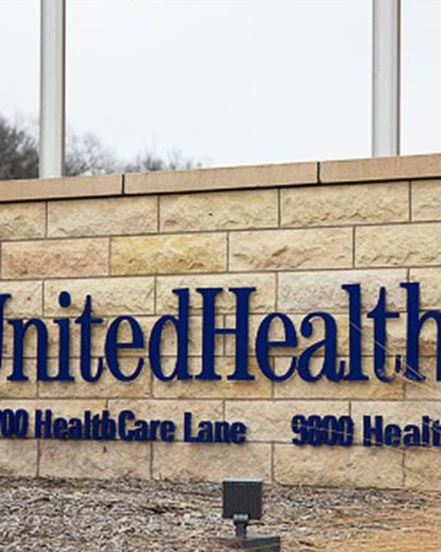 UnitedHealth Group Powers Dow Higher