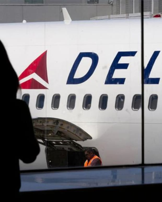 Closing Bell: Delta Drags on Airline Industry; U.S. Stocks Retreat From Records