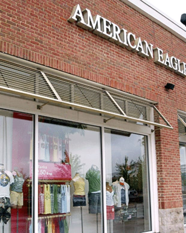 5. American Eagle Outfitters Inc. (AEO): Buy