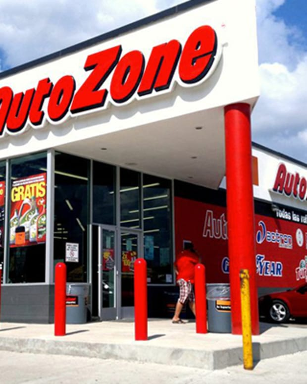 AutoZone CEO Doesn't Expect Irma, Harvey Costs to Have 'Material' Impact