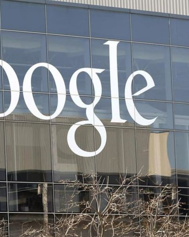 Google Axes Employee Who Wrote Controversial Memo About Females