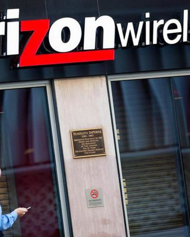 Here Is What Jim Cramer Expects From Verizon's Earnings