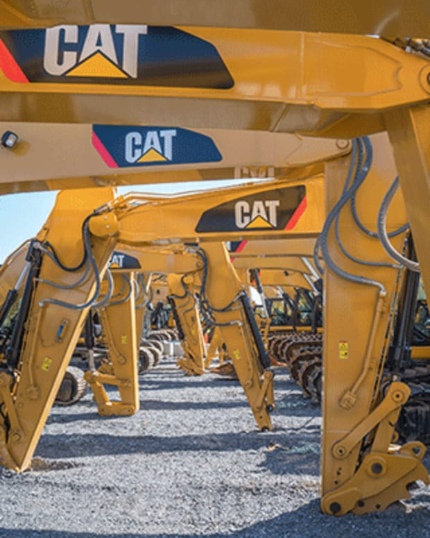 Caterpillar Executives Face Challenges from Union-Related Consortium on Pay Policies