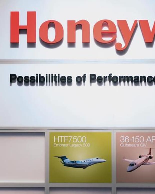 WATCH: Jim Cramer on Honeywell vs. General Electric