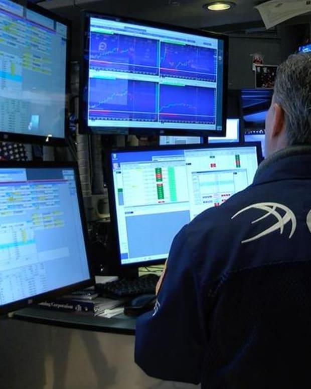 Closing Bell: S&P 500, Nasdaq Score Fresh Records; Dow Holds Above 20,000 Milestone