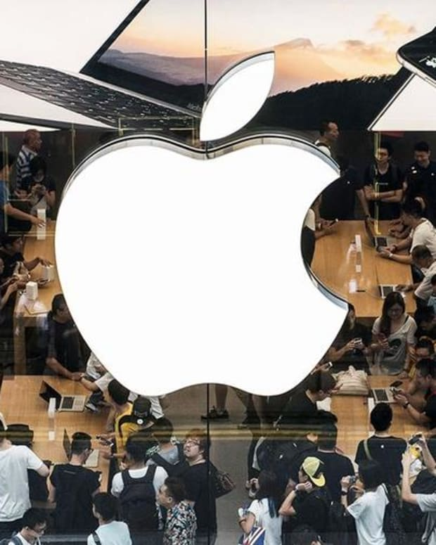 Jim Cramer on Apple: Wait Out the Sellers
