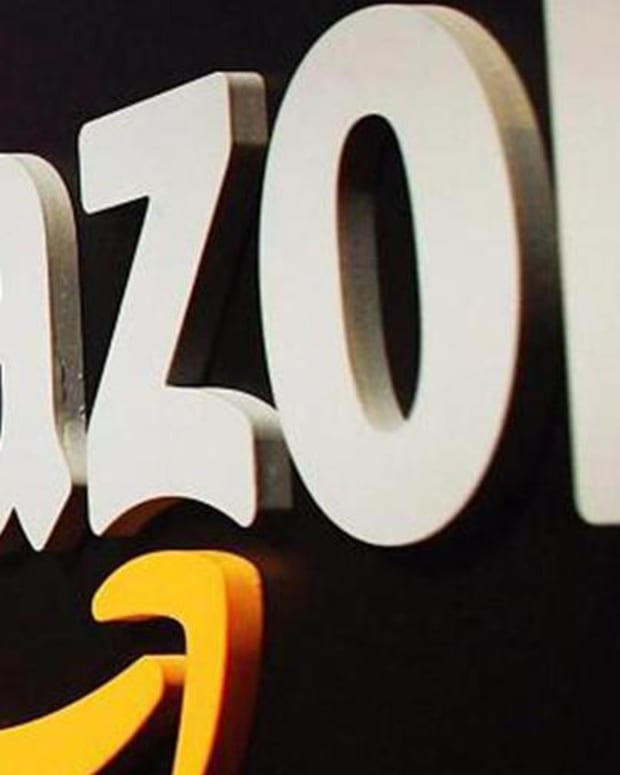 Jim Cramer on Amazon Breaching $1,000 a Share