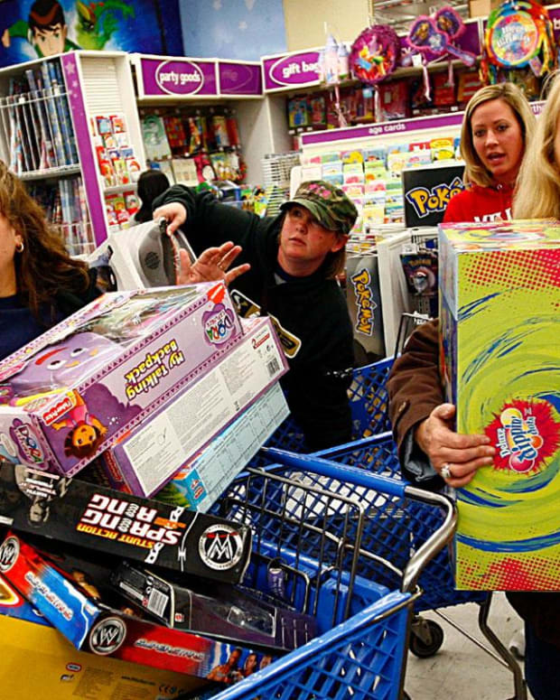 3 Reasons Holiday Spending Could Beat Expectations This Year