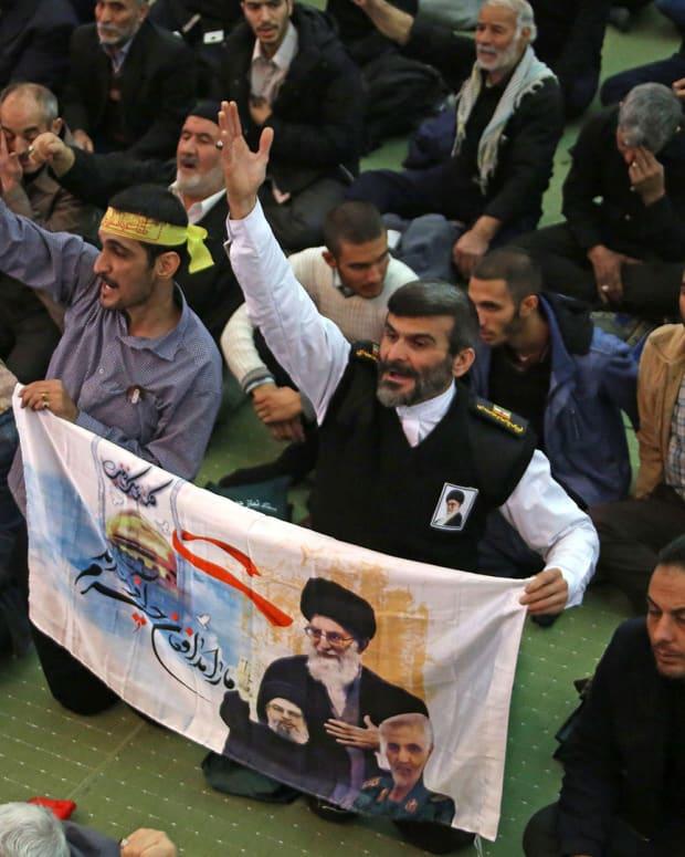 Iran Anti-American Protests Lead