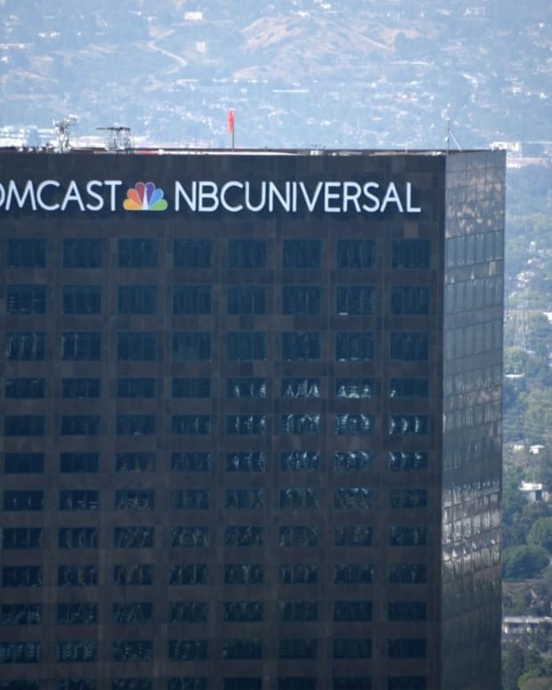 Comcast_Earnings_1-5f22d324717231042a0a9c0e_1_Jul_30_2020_14_04_49_poster