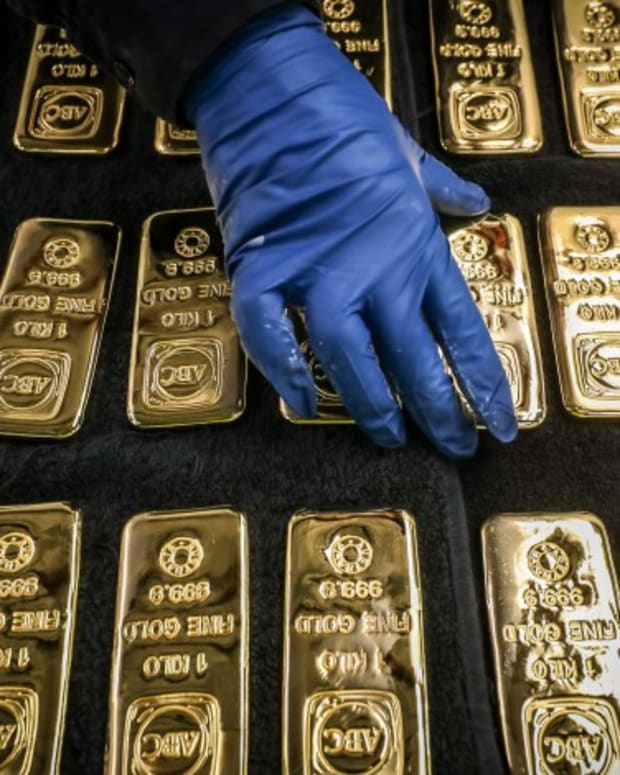 Gold Blasts Past US$2,000 Level As Traders Rush Into Gold-backed ETFs As Hedge Against Global Uncertainties