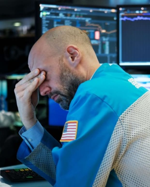 Indexes Plunge In Hong Kong, China As Wall Street's Bloodbath Spills Over To Asian Stock Markets, Weighing On Technology Firms