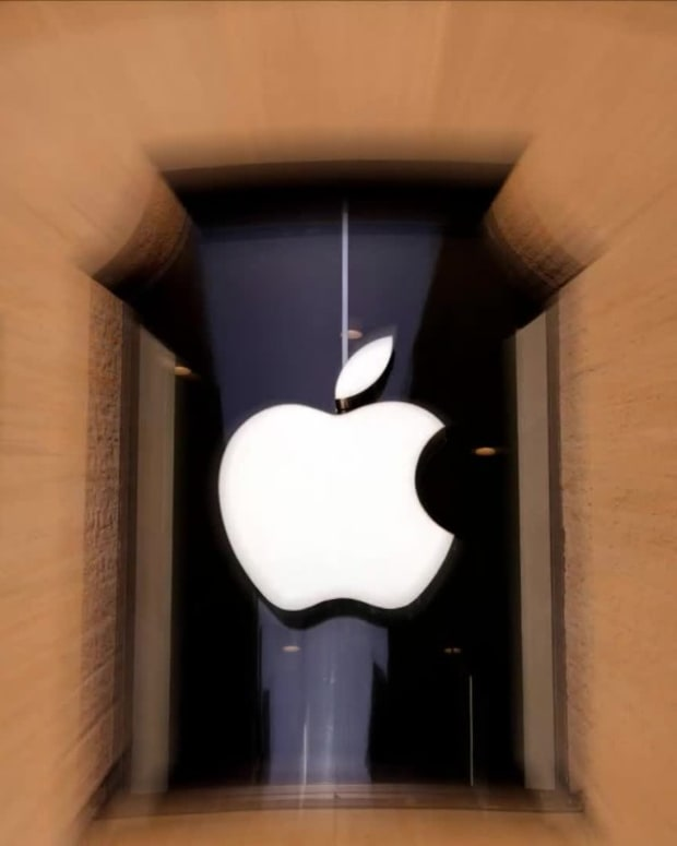 Apple_Stock_What_Analysts_Have_To_Say_Th-5f6000ec5f60de4b41b7a663_1_Sep_15_2020_24_13_30_poster