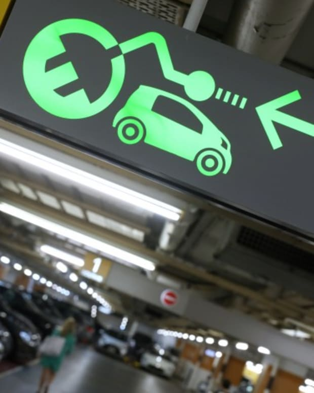 Hong Kong Needs To Plan For Green Future And Help City's Mechanics Learn How To Repair Electric Vehicles, Says Biggest Distributor