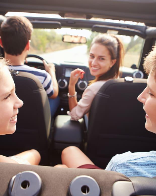 25 4 people gas car driving kids sh