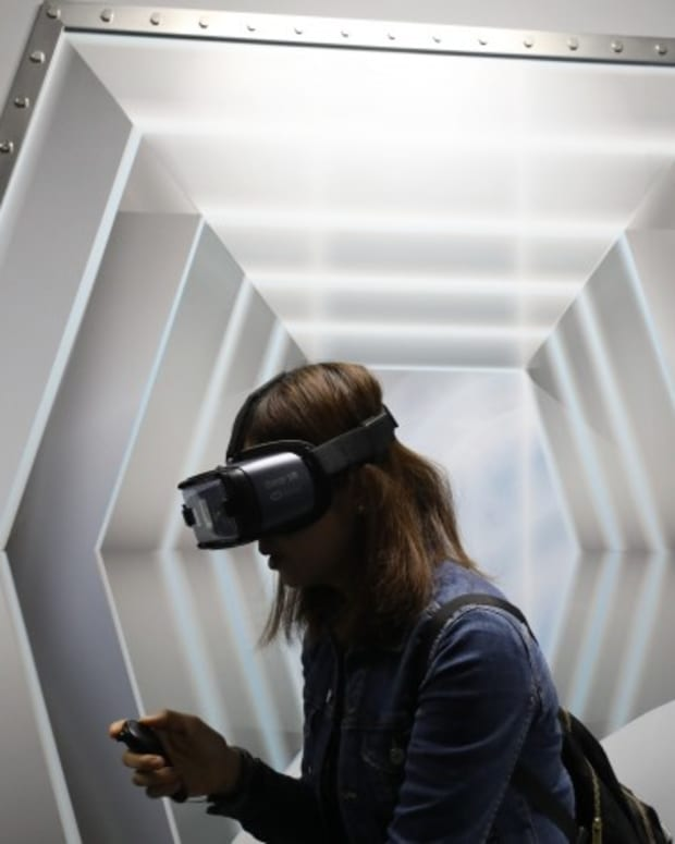 China's US$2.3 Trillion Property Sector Tries Out VR Amid Coronavirus Scare, Online Food Deliveries, Health Care Set For Long-term Boost