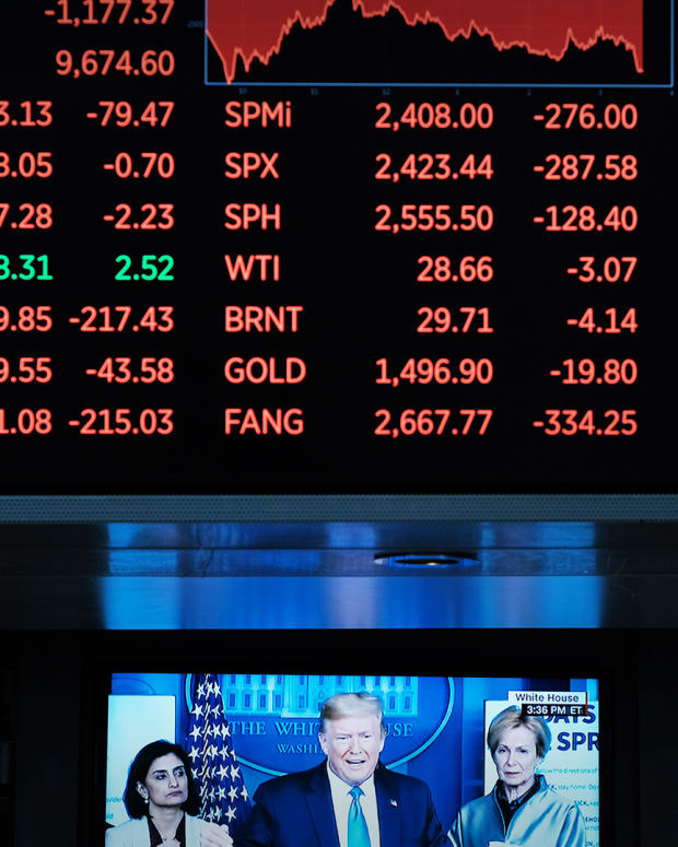 Stock Traders New York Stock Exchange Lead