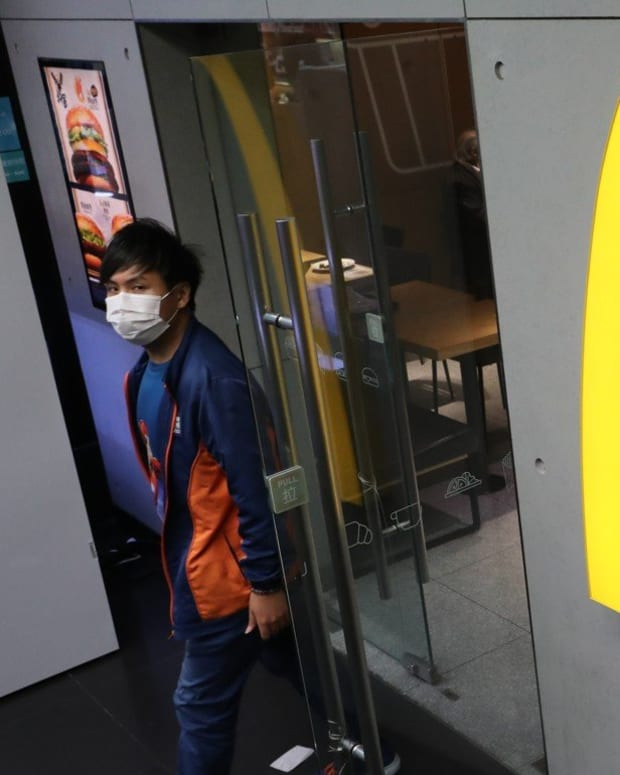 McDonald's has suspended dine-in services after 6pm at all its branches across Hong Kong for two weeks. Photo: Edmond So