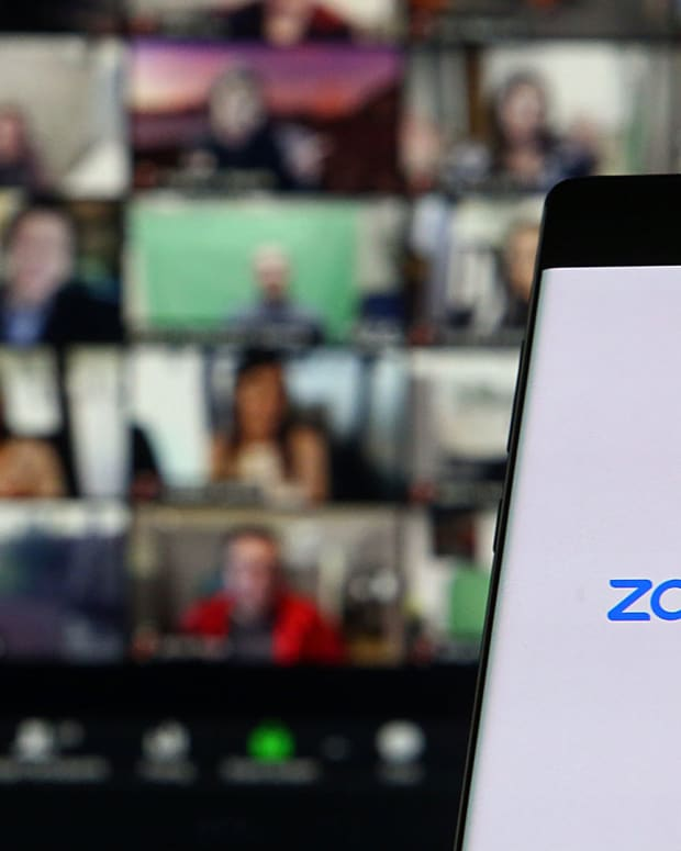 30 zoom ymphotos : Shutterstock
